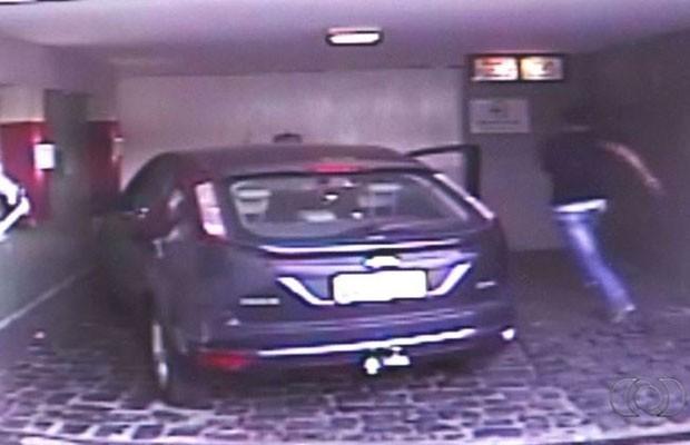 Advogado se revolta com conta e é detido em motel na BR-060, em Anápolis, Goiás (Foto: Reprodução/TV Anhanguera)