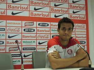 Nilmar centroavante Inter (Foto: Tomás Hammes / GloboEsporte.com)