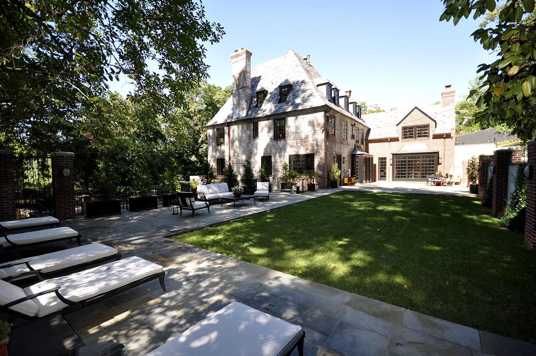 Quintal da mansão (Foto: Reprodução)