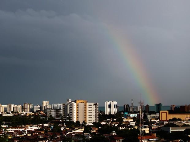 Tempo fechado em Maceió (Foto: Jonathan Lins/G1)