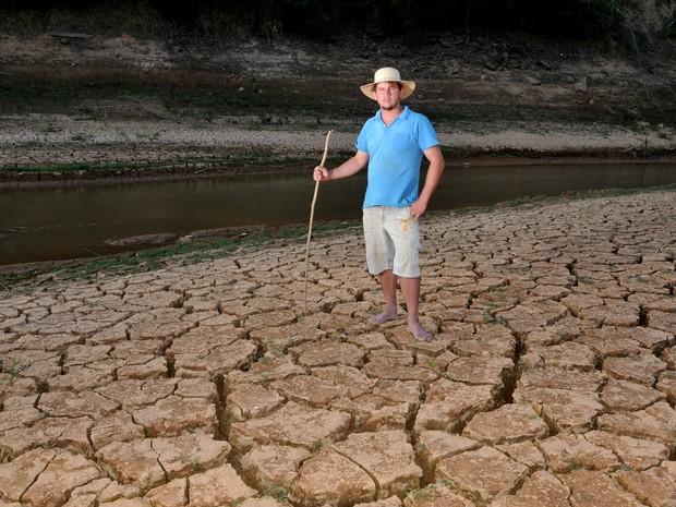Roberto Brum, 27, produtor rural, na comunidade de Recreio, na barragem do Rio Bonito (Foto: Fernando Madeira/A Gazeta)