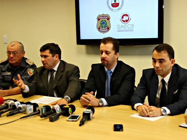 Resultado da operação foi divulgado na Superintendência da PF (Foto: Adneison Severiano/ G1 AM)