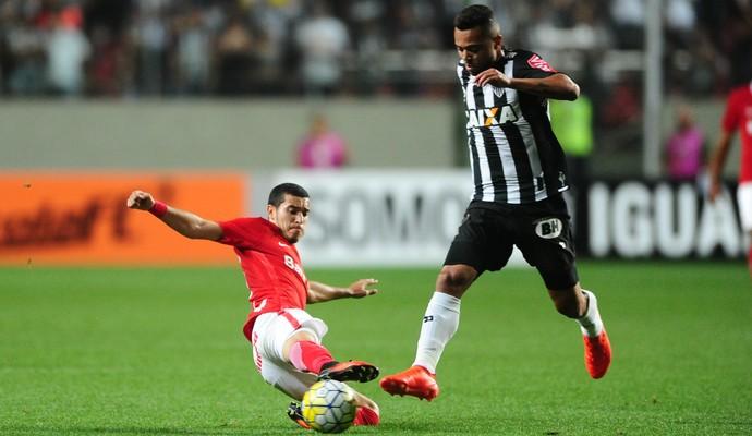 Dorival lamenta baixo público em jogo do Santos no mata-mata da
