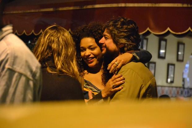 Juliana Alves com o namorado (Foto: Ag. News)