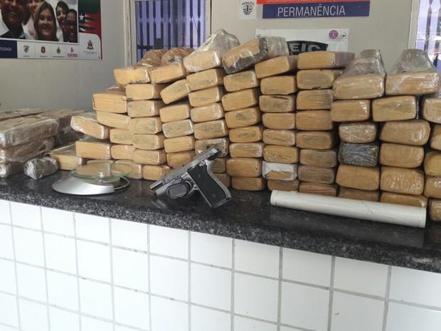Cerca de 100 kg de entorpecentes foram apreendidos em quitinete em São Luís (Foto: Divulgação/Seic)