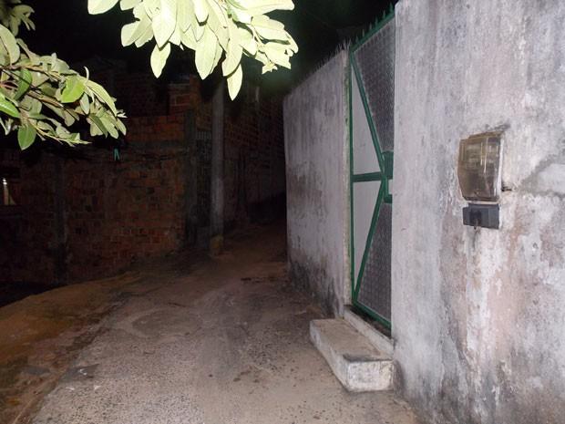 Casa em Salvador do baiano Odycleidson Moraes, assassinado na Espanha (Foto: Henrique Mendes/G1 BA)