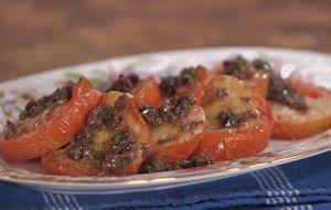 Como fazer tomate assado com parmesão e azeitona preta