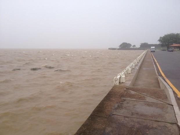 Orla de Macapá pode inundar com chuvas no mês de março (Foto: John Pacheco/G1)