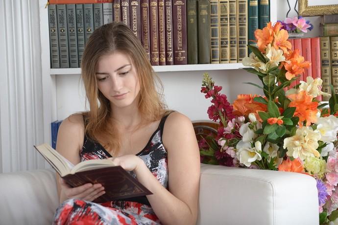 Leitura é a melhor maneira de manter as sinapses ativas.  (Foto: Divulgação)