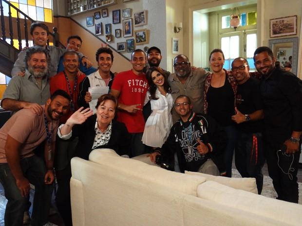 Família Pereira se despede da equipe (Foto: Gabriela Duarte/Gshow)