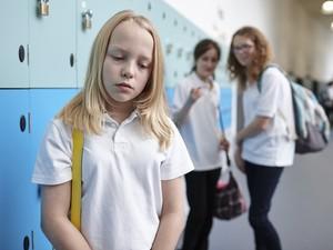 Segundo pesquisa, bullying se torna mais frequente entre adolescentes mais populares (Foto: Phil Boorman / Cultura Creative)