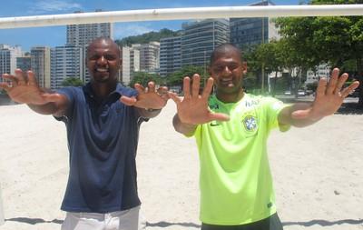 Mão e Jefferson, goleiros (Foto: Fabio Leme)