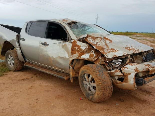 Veículo capotou e atingiu barranco na BA-460 (Foto:  Blog do Sigi Vilares)
