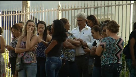 TJ-GO bloqueia contas de município que deve salário para professores
