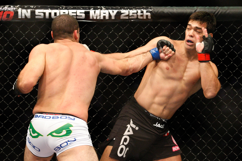 Lyoto Machida tem 52% de chance de vencer Derek Brunson, segundo a ferramenta (Foto: Getty Images/Richard Wolowicz )