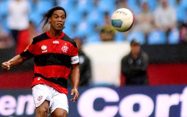 Ronaldinho gaúcho flamengo vasco (Foto: Maurício Val / Vipcomm)