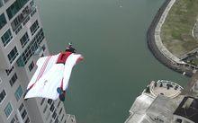 Volta ao mundo de wingsuit