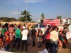 Manifestantes de RO fazem ato contra impeachment da presidente Dilma
