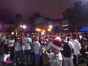 Concentração Noel Runners 2013 em Petrópolis (Foto: Karen de Souza/Intertv)