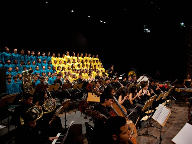 Jovens músicos prestam homenagens pelos 401 anos de Belém em concerto ao ar livre, na praça da República, neste domingo (15), em Belém. (Foto: Arquivo/Vale)