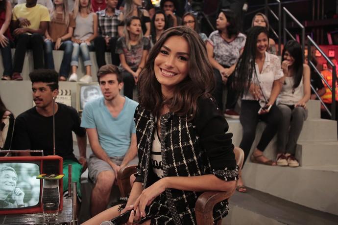 Marina Moschen no palco do 'Altas Horas' (Foto: Marcos Mazini/Gshow)