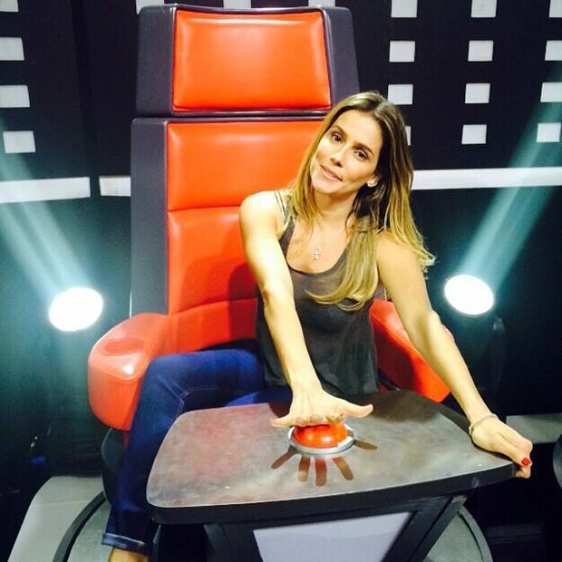 Debora Secco na cadeira do The Voice Brasil (Foto: Arquivo Pessoal)