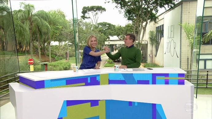 Sensacional! Angélica e Luciano Huck apresentam o Vídeo Show (Foto: TV Globo)