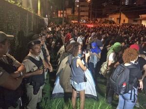 Manifestantes afirmam que vão acampar no local e já montaram barracas (Foto: Vitor Tavares/G1)