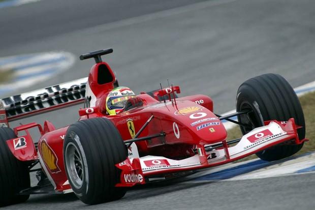 Felipe Massa em teste com a F2004 (Foto: Divulgação)