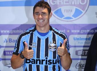 Direção tricolor destacou vontade do jogador em atuar pelo Grêmio (Foto: Lucas Uebel/Grêmio)