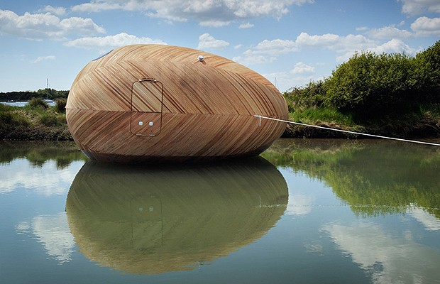 A Exbury Egg pode ser instalada em qualquer lugar, inclusive sobre a água (Foto: Divulgação)