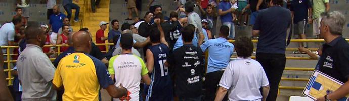 Franca x Rio Claro basquete confusão (Foto: Reprodução EPTV)