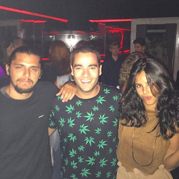 Bruno Gissoni, Murillo Lima e Yanna Lavigne em boate em São Paulo (Foto: Instagram/ Reprodução)
