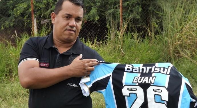 Luan, atacante Grêmio (Foto: Marcos Lavezo)