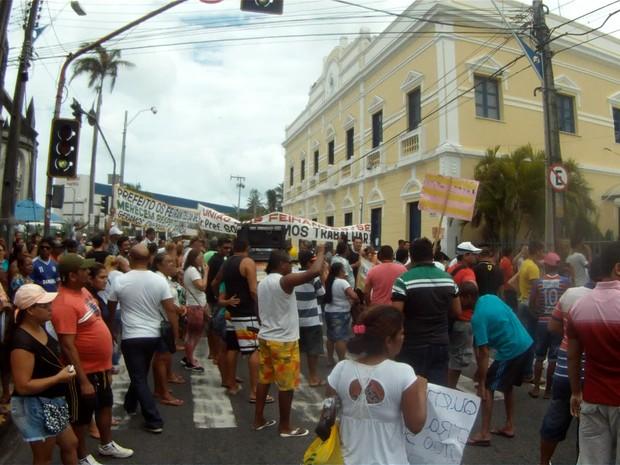 Feirantes protestam (Foto: Marcélio Bezerra/Divulgação)