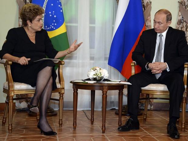A presidente Dilma Rousseff e o presidente Vladimir Putin em Ufá, na Rússia (Foto: Alexander Nemenov/POOL/AFP)