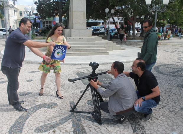 Jovens apaixonados também participaram da campanha (Foto: Institucional/TV Grande Rio)