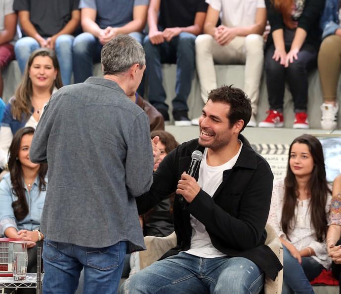 Serginho Groisman e Thiago Lacerda no 'Altas Horas' (Foto: Carol Caminha/Gshow)