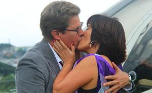 Viúva abre de novo seu coração para o amor e aceita se casar com o empresário (Guerra dos Sexos / TV Globo)
