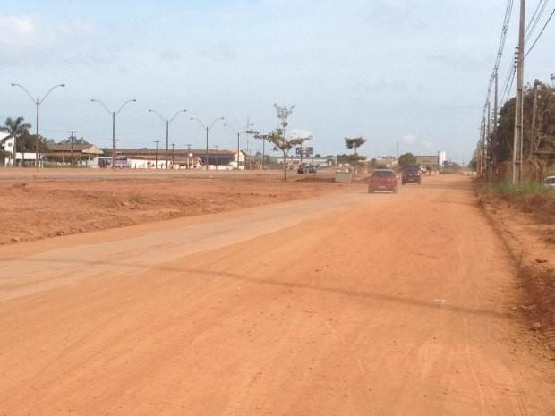 Obras na Rua da Beira não devem começar na segunda-feira (24) (Foto: Larissa Matarésio/G1)