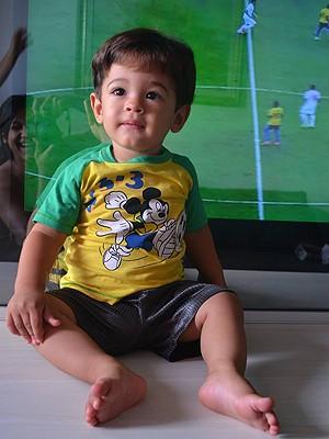 Filho de torcedor do Vitória, Cauã completa 1 anos quatro dias antes da Copa (Foto: Tamires Machado / Arquivo Pessoal)