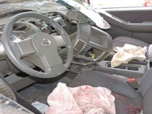 Condutor perdeu controle do veículo que capotou na pista (Foto:  Blogbraga / Edivaldo Braga)