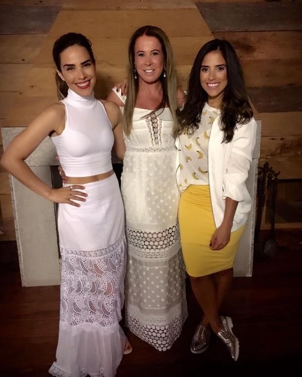 Zilu Camargo com Camilla Camargo e Wanessa Camargo (Foto: Reprodução/Instagram)