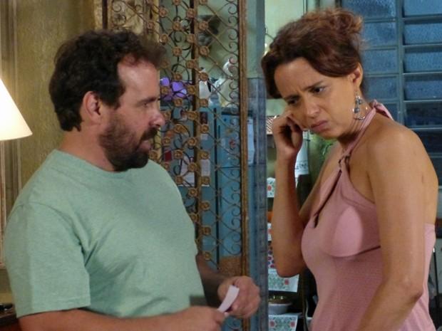 Ismael garante que vai devolver cheque para Érika (Foto: Cláudia Castilho/ Gshow)