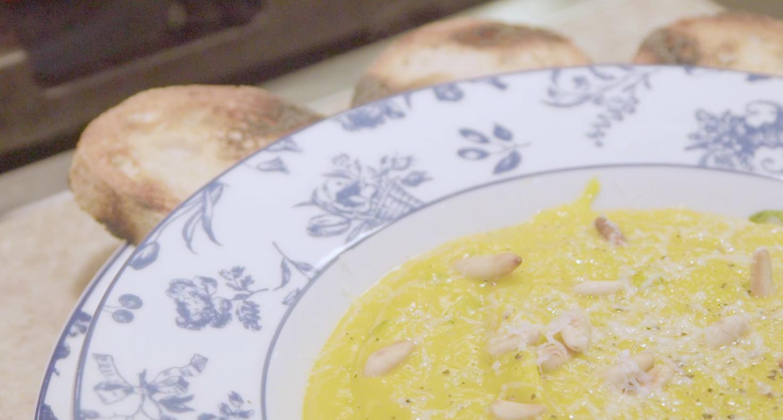 O creme de abóbora com queijo de cabra e sálvia (Foto: Reprodução)