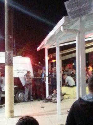 Acidente aconteceu no cruzamento da rua Riachuelo com a Padre Leonardo Nunes (Foto: G1)