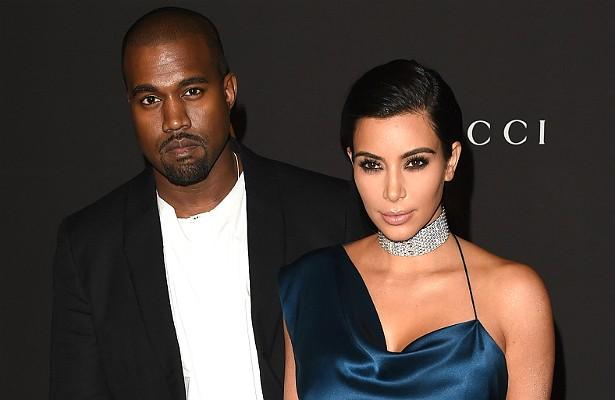 """O cantor Kanye West já disse que a socialite Kim Kardashian é """"a mulher mais linda de todos os tempos"""". Além disso, comparou o amor deles ao do clássico 'Romeu e Julieta', de William Shakespeare (1564-1616). """"Só que ela é uma estrela de reality show e eu sou um rapper"""", lembrou Kanye. Até aí, tudo bem. (Foto: Getty Images)"""
