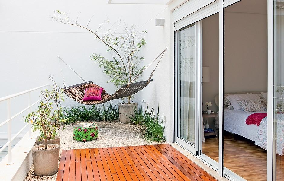 Дизайн балконов в частном доме фото