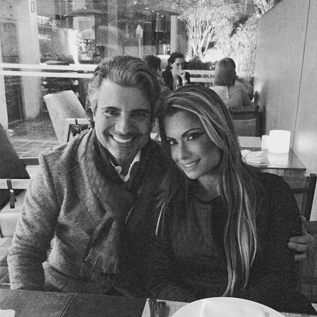 João Kleber e Dani Sperle em restaurante em São Paulo (Foto: Instagram/ Reprodução)