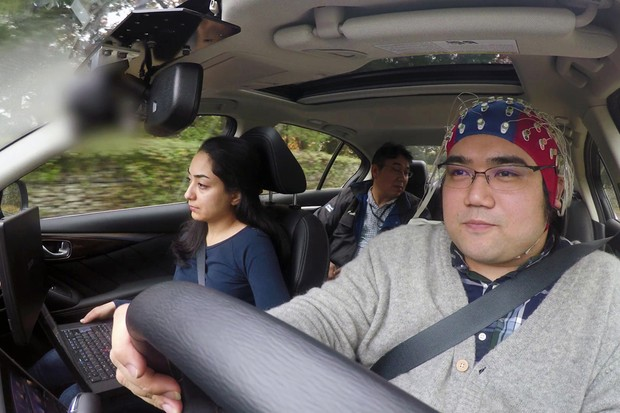 "Test drive do ""Brain-to-vehicle"" (B2V) in Atsugi, no Japão. (Foto: Nissan Motor Co.)"